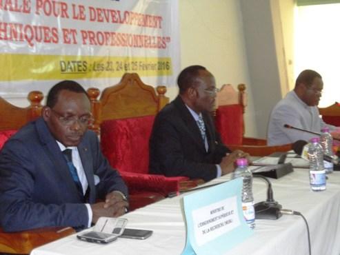 Conseil supérieur enseignement technique - Le Conseil supérieur de l'enseignement technique et de la formation professionnelle , en session
