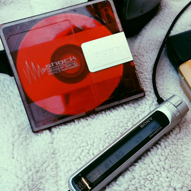 Red Sony MiniDisc with remote control