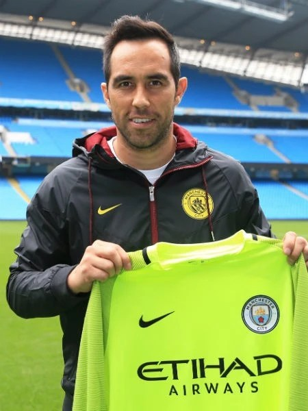 That's all for a busy day at City! We'll leave you with a happy photo of our new goalkeeper...
