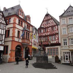 MandA Tours European Motorhome Tour: Majestic Rhine & Moselle Rivers market square in Bernkastel-Kues