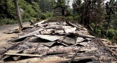 Siasa puing rumah milik Yadni yang dibakar massa