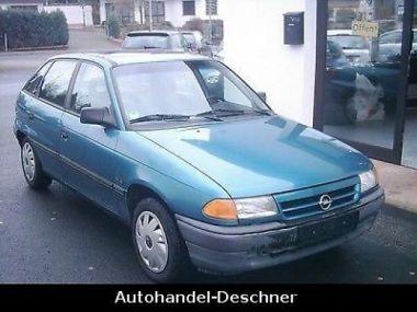 NOUVEAU +++ Opel Véhicule pour handicapés: Opel Astra F 1.6 GLS.Behinderten-fahrzeug für 1500 € +++ Les meilleures offres | Berline, 178000 km, 1993, Essence, 101 CV, Autre | 133167663 | auto.de
