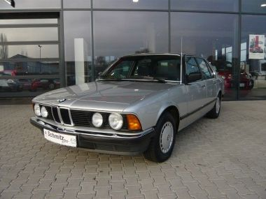 NOUVEAU +++ BMW Véhicule ancien: BMW 7er Reihe 7er ORIGINAL, KEIN ROST für 14999 € +++ Les meilleures offres | Berline, 132000 km, 1985, Essence, 184 CV, Argent | 132759198 | auto.de