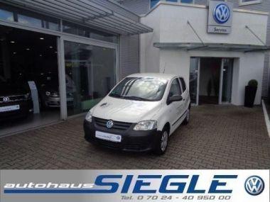 NOUVEAU +++ VW Voiture d'occasion: VW Fox 1.2 Refresh*CLIMATIC*1.Hand für 4490 € +++ Les meilleures offres | Citadine, 72977 km, 2009, Essence, 54 CV, Blanc | 134470450 | auto.de