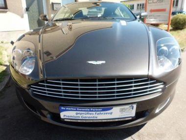 NOUVEAU +++ Aston Martin Voiture d'occasion: Aston Martin DB9 Coupe Touchtronic + Modell 2009 + für 59990 € +++ Les meilleures offres | Coupé, 85000 km, 2009, Essence, 476 CV, Gris | 136951636 | auto.de