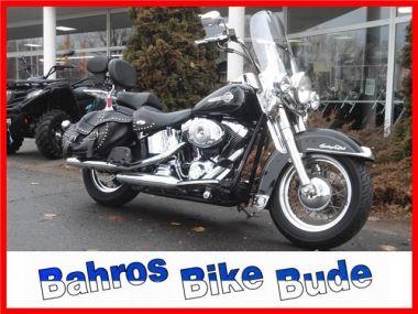 NOUVEAU +++ Harley-Davidson Voiture d'occasion: Harley-Davidson Harley-Davidson CLASSIC für 11890 € +++ Les meilleures offres | Chopper, 42144 km, 2004, Autres, 64 CV, Noir | 138143776 | auto.de
