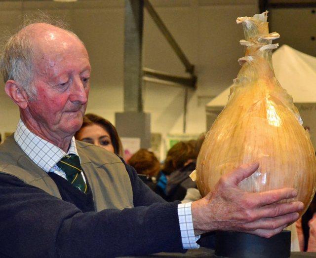 National Onion Championship winner 2017 Peter Glazebrook