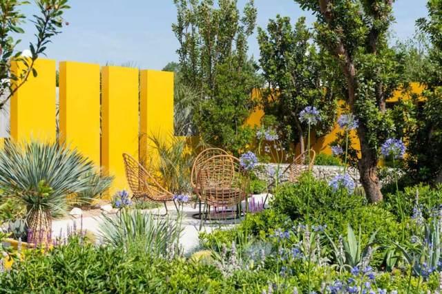 Santa Rita Living La Vida 120 Garden. Picture; RHS/Joanna Kossak