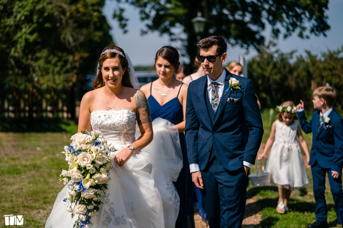 Arriving at the ceremony with Kerry · Tim Stephenson Photography