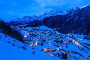 The blue hour: winter in the mountains - Manfrotto School Of Xcellence
