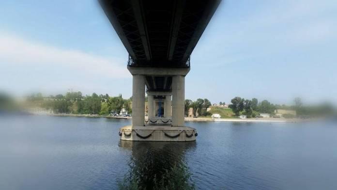 01-O super cerere in casatorie pe Podul Mangaliei - se apropie momentul (Medium)