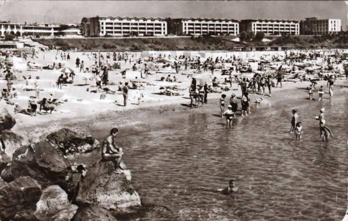 11-Mangalia-Pe-plaja-Foto-Al-Mendrea-1970
