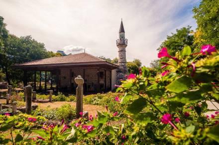 Moscheea-Esmahan-Sultan-Mangalia