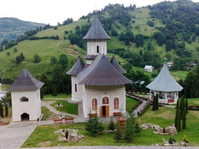 manastirea-parva-rebra3