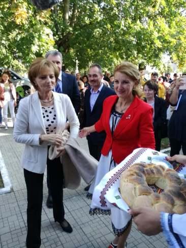 Lansare de carte în comuna Albești în prezența Altețelor Sale Regale-09