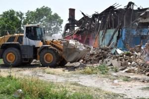 La Mangalia, Primăria a început demolarea barăcilor insalubre