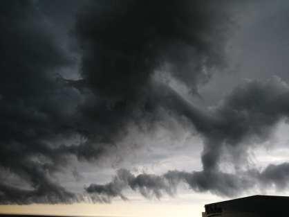 Supercelulă de nori - Rux Georgescu.