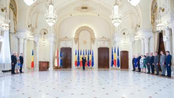 Trei noi miniștri au depus jurământul - Nicolae Moga - MAI - Ramona Mănescu - MAE şi Mihai Fifor