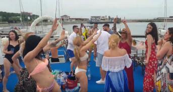 petreceri-pe-yacht-mangalia2-