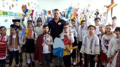 Unirea Principatelor Române sărbătorită de elevii Școlii Gimnaziale Sf Andrei din Mangalia-02