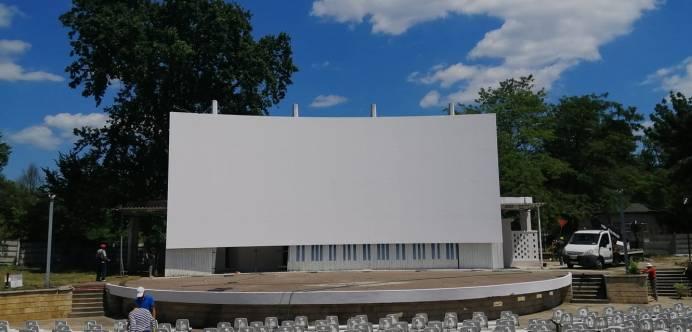 Teatrul de Vara din Neptun-scena-ecranul