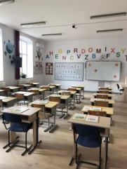 Limanu - 600 de copii incep scoala cu rechizite noi-03