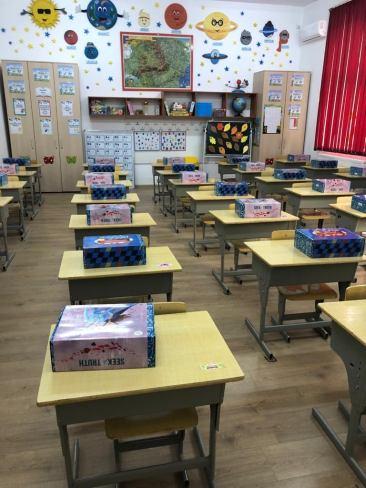 Limanu - 600 de copii incep scoala cu rechizite noi-06