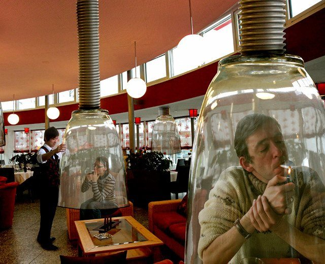 Japanese restaurants and bars now have personal smoking pods