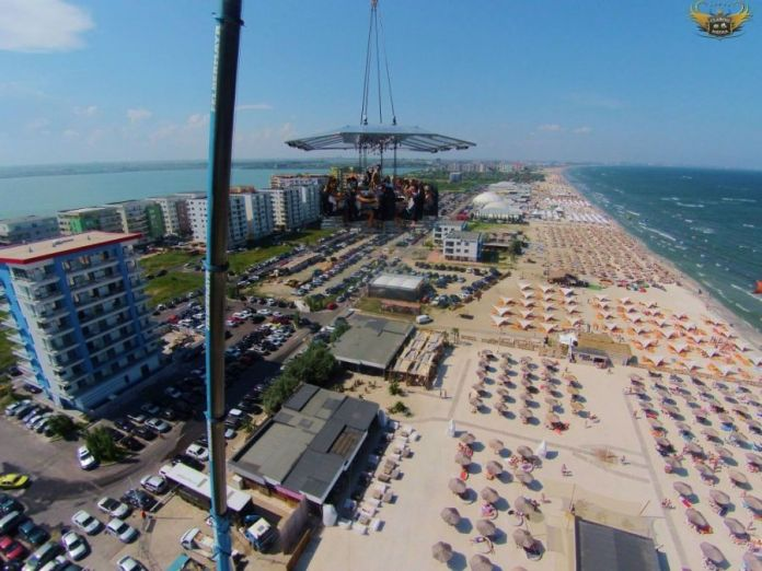 dinner-in-the-sky-mamaia-2