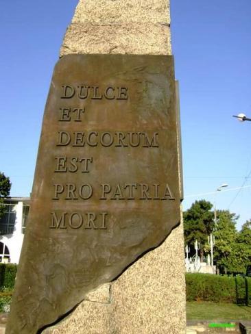 dulce-et-decorum-est-pro-patria-mori-monumentul-eroilor-mangalia