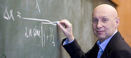 prof Stefan Hell