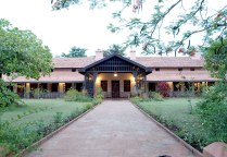 kabini-river-lodge1