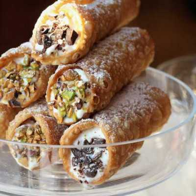 Sicilian Cannoli with Ricotta Filling