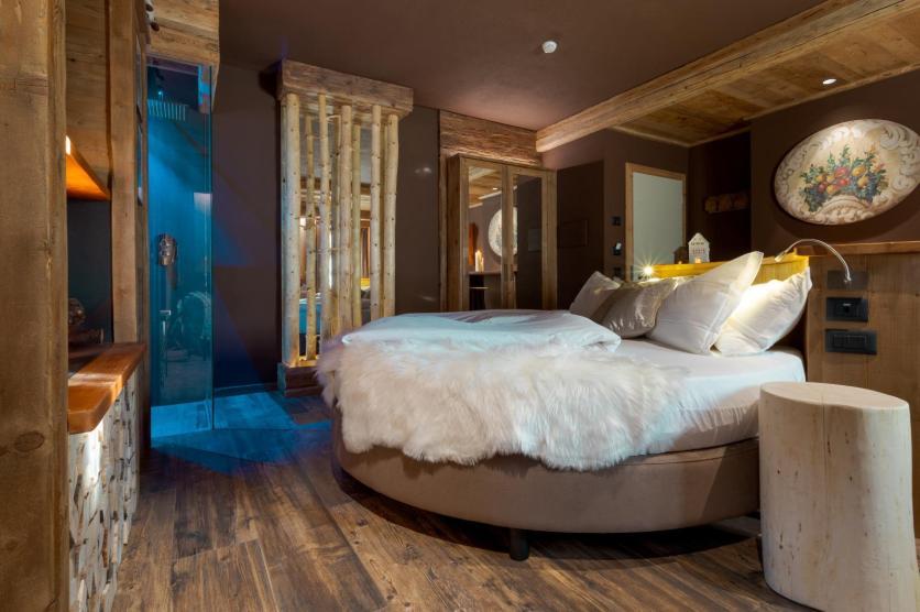 John Luxury Suites
