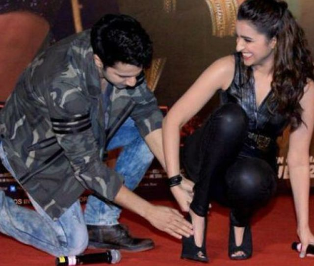 Why Varun Dhawan Touches Parineetis Feet On The