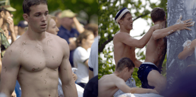 Marinos semidesnudos y aceitados para comenzar el verano foto 4
