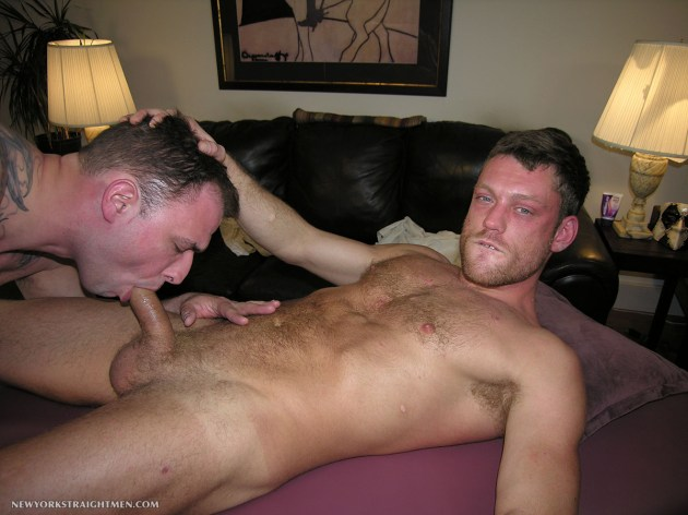 New-York-Straight-Men-Scott-and-Trey-Straight-Guy-Getting-Sucked-By-A-Gay-Guy-Amateur-Gay-Porn-06