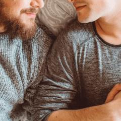 Por mantener relaciones sexuales en horas de ayuno, arrestan a pareja gay