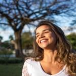 11 maneiras naturais de aumentar o hormônio da felicidade