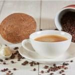 Óleo de coco no café: opção saudável para queimar gorduras e melhorar a saúde