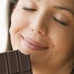 De acordo com os cientistas, comer chocolate deixa a pessoa mais inteligente