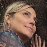 A Atriz Heloísa Périssé comemora reta final no tratamento contra o câncer