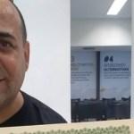 Ex-BBB Agustinho se emociona ao se formar em jornalismo aos 49