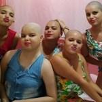 Para apoiar adolescente com leucemia, família corta cabelo em solidariedade