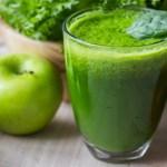 Detox à base de maça, limão, gengibre e chá-verde para desinchar