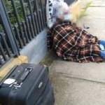 Mãe de 88 anos é expulsa de casa pela filha durante quarentena