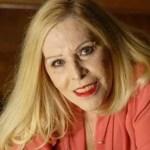 Cantora Vanusa deixa hospital após 32 dias de internação
