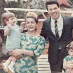 Cintia Abravanel mostra foto rara de família com o apresentador Silvio Santos