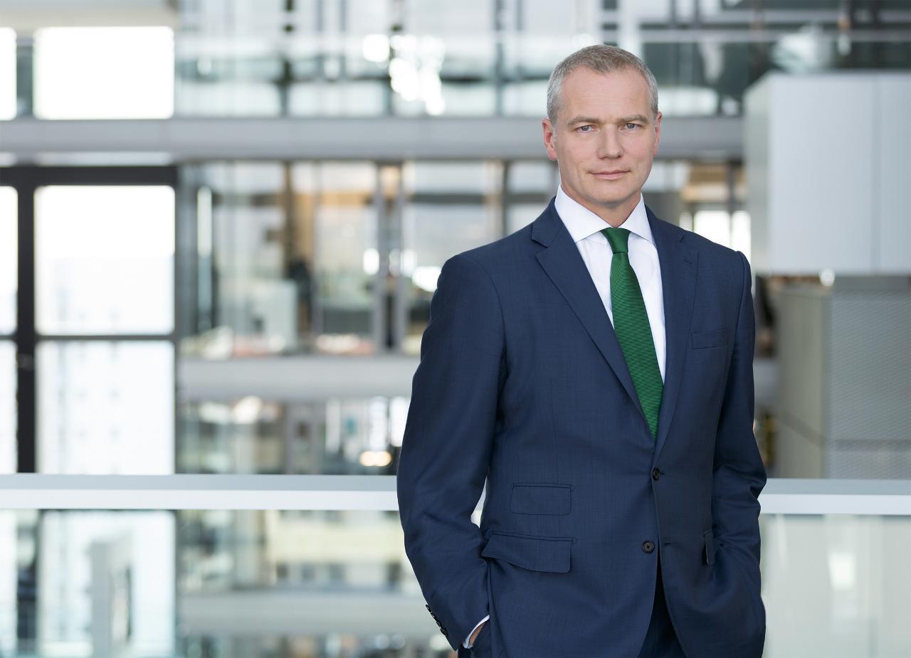 Deutsche Börse introduces pay cap for executive board