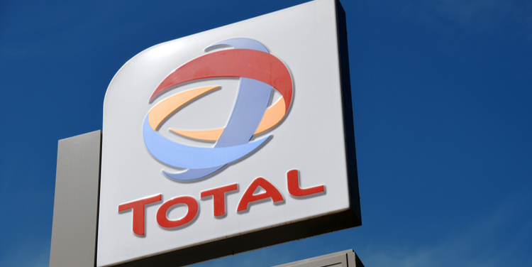 Investors strike emissions agreement with Total